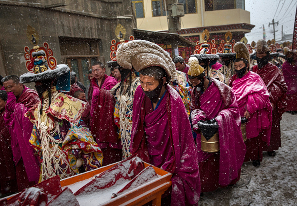 Cultures「Tibetan Buddhists Celebrate Religion And Culture at Great Prayer」:写真・画像(14)[壁紙.com]