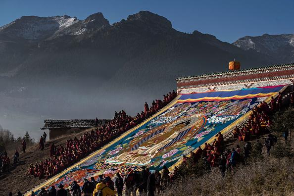 Kevin Frayer「Tibetans Mark The Great Prayer」:写真・画像(4)[壁紙.com]