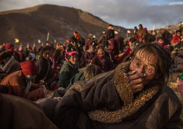 Tibetan Buddhism「Tibetans Gather For Prayers At Remote Institute」:写真・画像(3)[壁紙.com]
