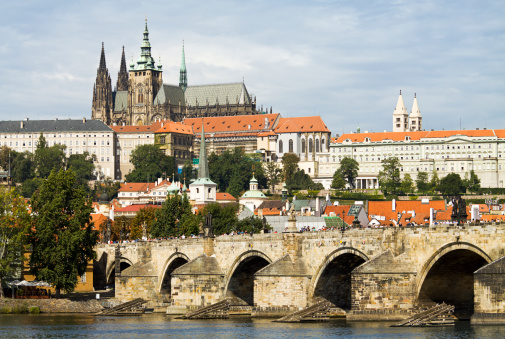Hradcany「Charles Bridge and Saint Vitus Cathedral in Prague」:スマホ壁紙(14)