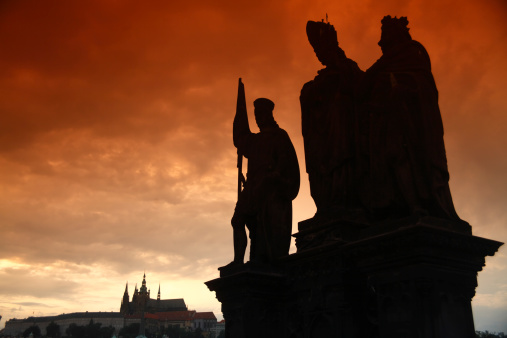 St Vitus's Cathedral「Charles Bridge statue in Prague」:スマホ壁紙(5)