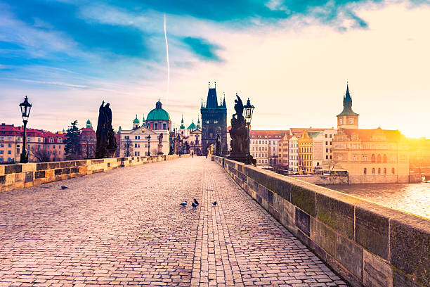 Charles Bridge in Prague at Sunrise:スマホ壁紙(壁紙.com)