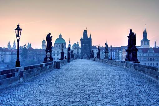 Gas Light「Charles Bridge in the morning, Prague, Central Bohemia, Czech Republic」:スマホ壁紙(11)