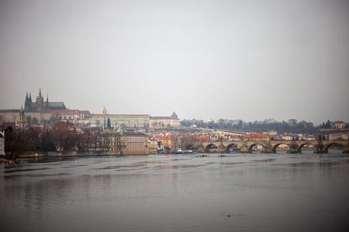 フラッチャニ「Charles Bridge and Prague Castle in Prague, Czech Republic」:スマホ壁紙(14)