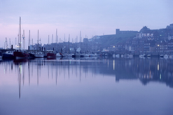 Moored「Boats At Dusk」:写真・画像(11)[壁紙.com]