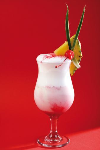 Drinking「Strawberry-Colada cocktail」:スマホ壁紙(15)