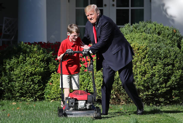 President Accepts Offer From  11-Year-Old Virginia Boy To Mow Lawn Of White House:ニュース(壁紙.com)