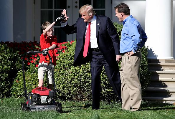 イネ科「President Accepts Offer From  11-Year-Old Virginia Boy To Mow Lawn Of White House」:写真・画像(8)[壁紙.com]