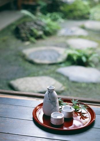 Saki Decanter「Sake and Garden」:スマホ壁紙(8)
