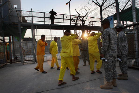 Camp Cropper「US Military Holds Thousands Of Detainees In Baghdad Prison」:写真・画像(12)[壁紙.com]