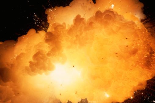 Fireball「Exploding fireball in cloud」:スマホ壁紙(11)