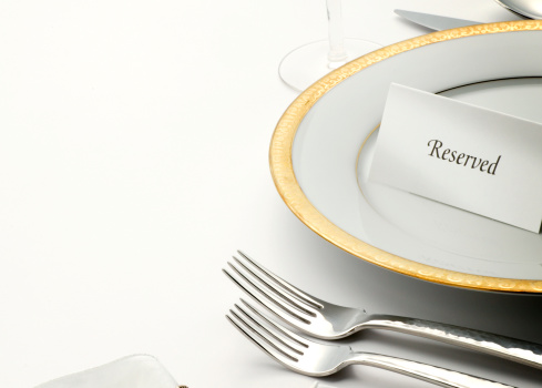 Fork「Reserved table tent on top of table setting」:スマホ壁紙(2)