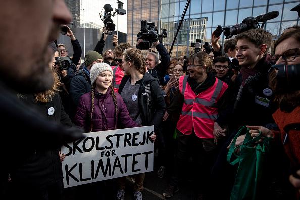 Attending「Greta Thunberg Speaks In Brussels, Attends Protest March」:写真・画像(16)[壁紙.com]