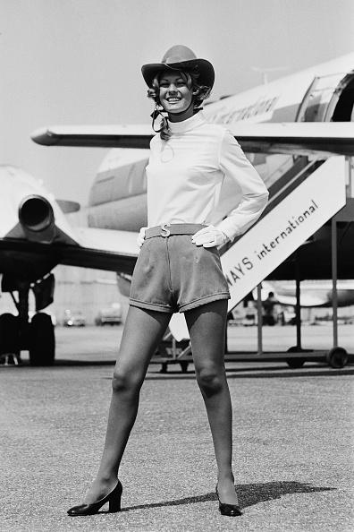 スチュワーデス「Skyways Air Stewardess Fashion」:写真・画像(19)[壁紙.com]