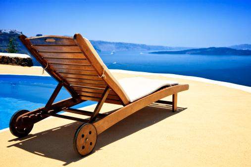 Caldera「Lounge chair and pool over Santorini caldera」:スマホ壁紙(11)