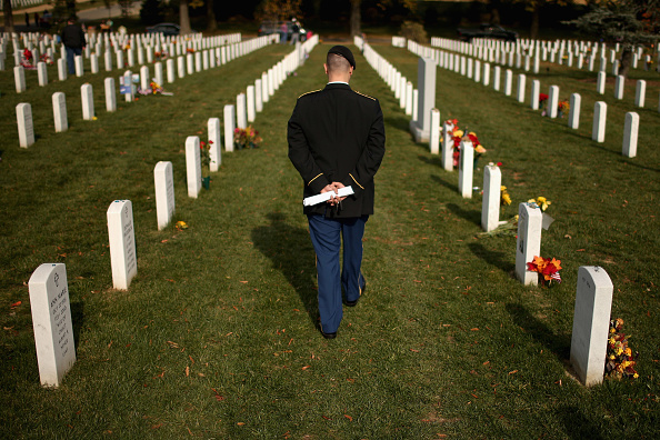 Religious Service「People Gather At Washington War Memorials To Pay Tribute For Veterans Day」:写真・画像(17)[壁紙.com]