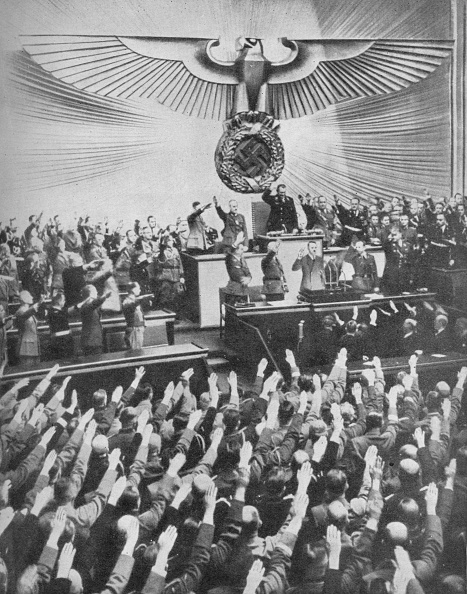 Animal Body Part「'Hitler Makes His Peace Speech in the Reichstag', 1939, (1940)」:写真・画像(19)[壁紙.com]