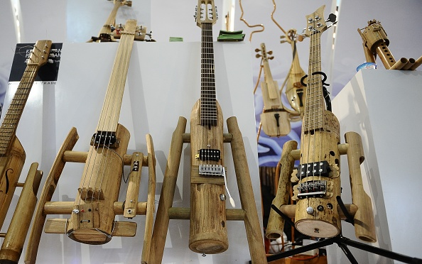 Musical instrument「Indonesian Bamboo Community Make Sustainable Bamboo Music Instruments」:写真・画像(15)[壁紙.com]