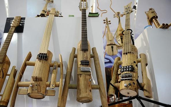 楽器「Indonesian Bamboo Community Make Sustainable Bamboo Music Instruments」:写真・画像(15)[壁紙.com]