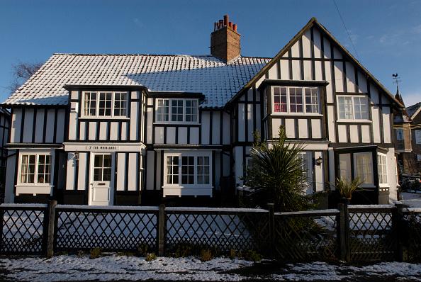 Tradition「Facade of Tudor home, UK」:写真・画像(13)[壁紙.com]