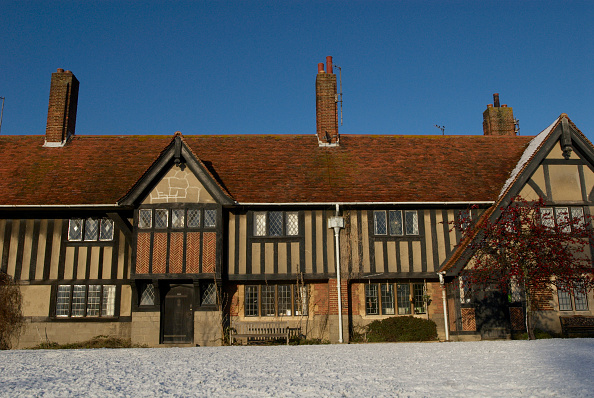 Clear Sky「Facade of Tudor home, UK」:写真・画像(17)[壁紙.com]