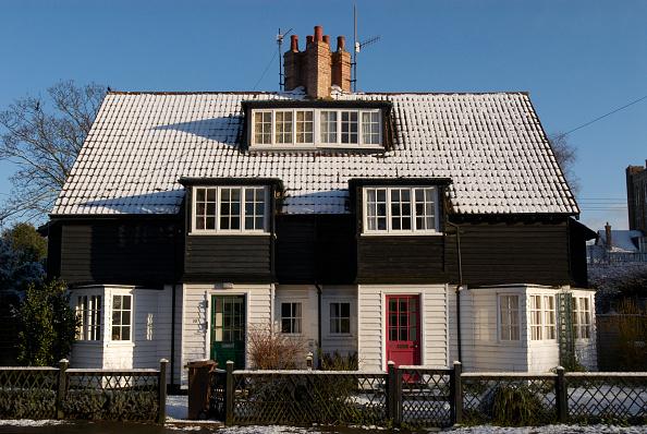 Symmetry「Facade of Tudor home, UK」:写真・画像(16)[壁紙.com]