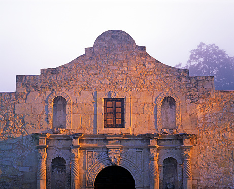 Battle「Facade of the Alamo in San Antonio」:スマホ壁紙(10)
