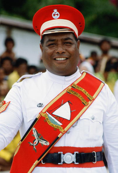 Protection「Kiribati Policeman, Kiribati」:写真・画像(19)[壁紙.com]