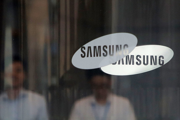 Samsung「Samsung Group Heir Lee Delivered Ruling Over Bribery Scandal Involving Former President Park」:写真・画像(0)[壁紙.com]