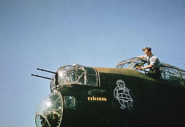 Explosive「RAF Window Cleaner」:写真・画像(19)[壁紙.com]
