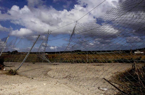 Sangatte「Illegal Immigration Through Eurotunnel to Britain」:写真・画像(16)[壁紙.com]