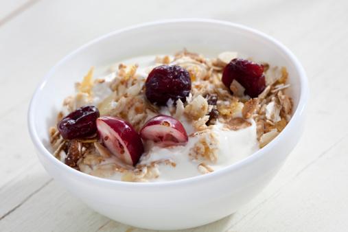 Bowl「Bowl of yogurt with muesli and cranberries」:スマホ壁紙(19)