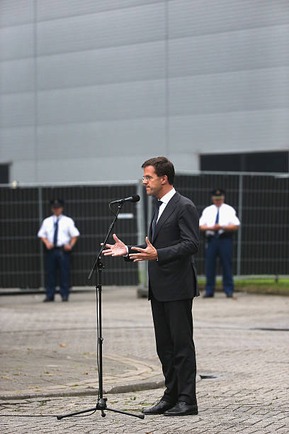 Dutch Reaction After 189 Of Their Citizens Perish On Flight MH17:ニュース(壁紙.com)