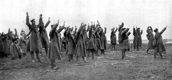 Surrendering「World War 1: Surrender of Russian soldiers」:写真・画像(17)[壁紙.com]