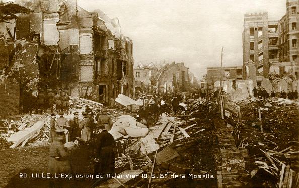Explosive「World War 1: Lille after explosion of 11 January 1916」:写真・画像(12)[壁紙.com]