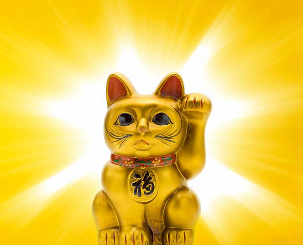Japanese porcelain lucky cat (Maneki Neko):スマホ壁紙(壁紙.com)