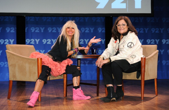 Cocktail「Fashion Icons In-Depth Interview With Fern Mallis And Betsey Johnson Hosted By 92nd Street Y And MARTINI」:写真・画像(4)[壁紙.com]