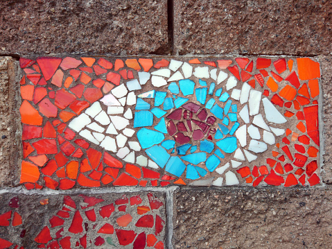 Eyesight「Wall mosaic of a human eye depicted in red, white and blue colors.」:スマホ壁紙(10)