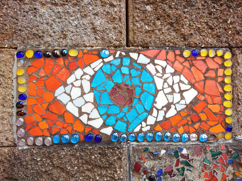 Eyesight「Wall mosaic of a human eye depicted in red, white and blue colors.」:スマホ壁紙(9)