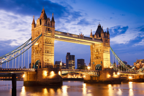 Tower Bridge「London UK Tower Bridge at River Thames Sunset Twilight Scene」:スマホ壁紙(5)