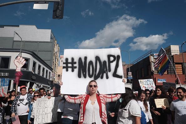 Dakota Access Pipeline「Women's March Held In Los Angeles」:写真・画像(6)[壁紙.com]