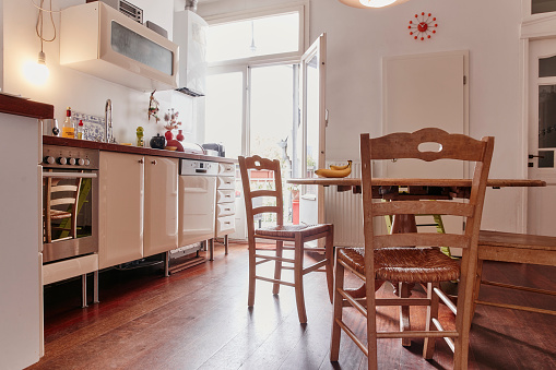Domestic Kitchen「Empty kitchen of a flat」:スマホ壁紙(15)