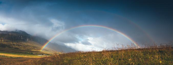 Rainbow「**Icelandic Landscape With Rainbow」:スマホ壁紙(9)