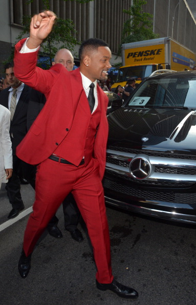 """Red Suit「Stars Arrive To Premiere Of """"After Earth"""" In Mercedes-Benz Vehicles」:写真・画像(7)[壁紙.com]"""