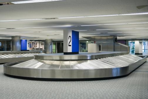 Carousel「Empty Airport Baggage Claim Carousel」:スマホ壁紙(3)