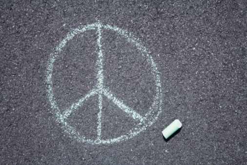 Chalk - Art Equipment「Peace sign on pavement」:スマホ壁紙(5)