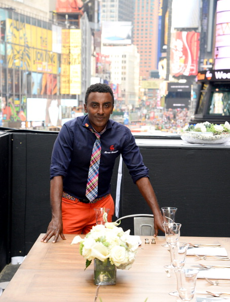 "One Man Only「MasterCard and Stand Up To Cancer Launch ""The Priceless Table"" in Times Square」:写真・画像(6)[壁紙.com]"