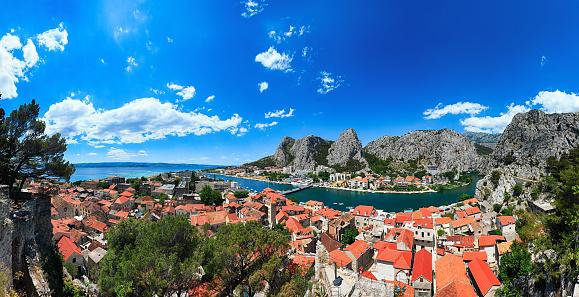 ビーチ「Omis のとツェティナ川パノラマ、クロアチア、ダルマチア海岸」:スマホ壁紙(7)
