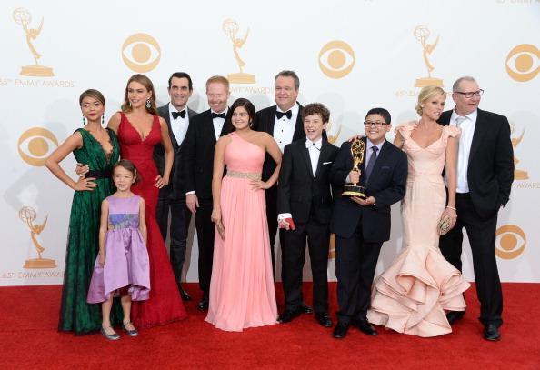 Modern Family - Television Show「65th Annual Primetime Emmy Awards - Press Room」:写真・画像(10)[壁紙.com]