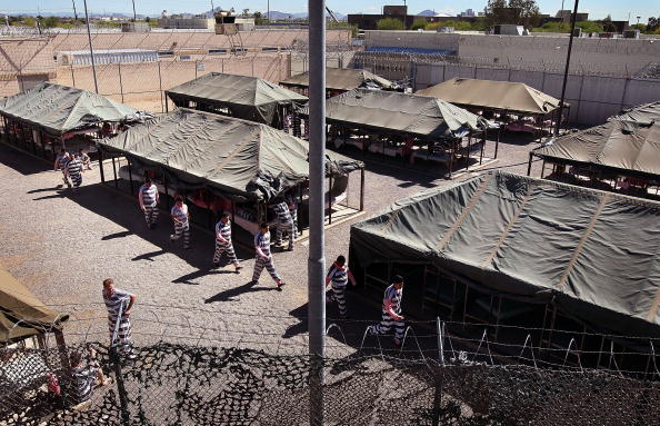 Arizona「Maricopa County Sheriff Runs Tent City Jail For Immigrant Prisoners」:写真・画像(8)[壁紙.com]